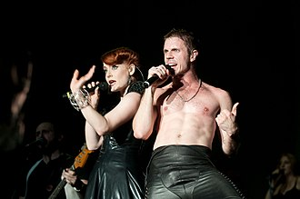 330px-Scissor_Sisters_-Fuji_Rock_Festival,_Japan-31July2010